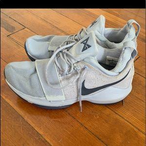 Nike Paul George basketball shoes